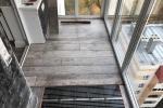 10-укладываем-на-пол-балкона-инфракрасную-пленку-и-ламинат
