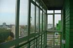 1_7-теплое-пластиковое-французское-остекление-балкона-от-пола-до-потолка