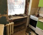 1-убрали-старое-окно-и-дверцы-с-полками-от-холодильника