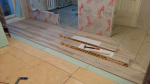 8-примыкание-ламината-к-керамограниту-в-кухне-и-коридоре