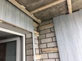 3-обрешетка-и-монтаж-пластиковых-панелей-на-стены-и-потолок-в-лоджии
