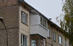 Остекление-балкона-с-выносом