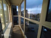 остекление-балкона-с-пола-до-потолка