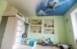 натяжной-потолок-с-фотопечатью-в-детской