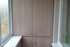 Встроенный шкаф балкона